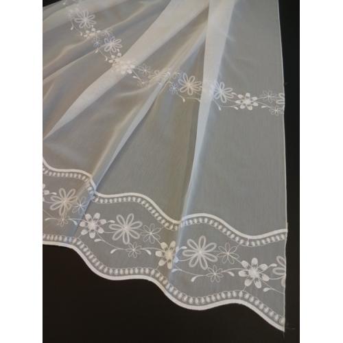Vyšívaná záclona s bordurou kytičky P2/59/180 bílá