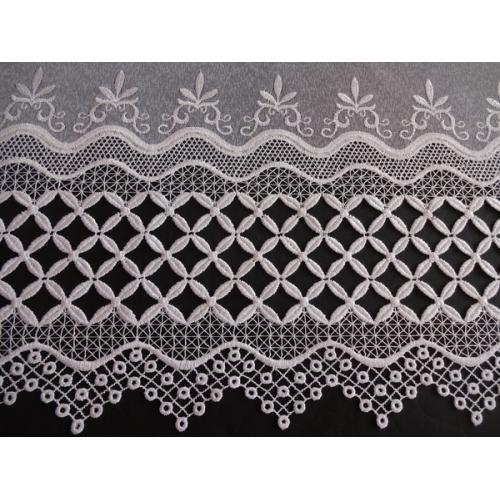 Vyšívaná záclona s bordurou sable 335/180 bílá