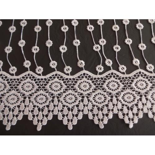Vyšívaná záclona s bordurou sable 7386/175 bílá