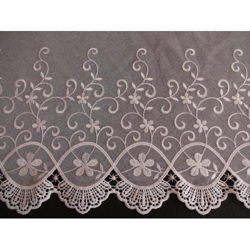 Vyšívaná záclona s bordurou sable 11117 bílá