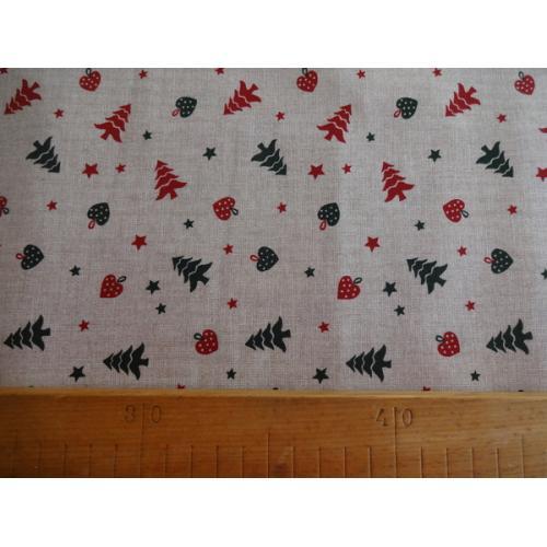 Vánoční bavlněná dekorační látka Stromečky a Srdíčka