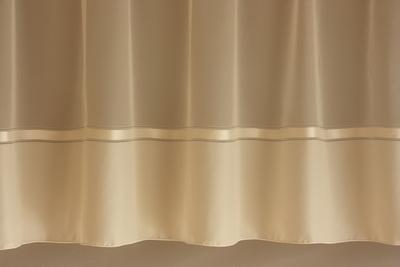 Béžová záclona s olůvkem 166 hladká s pruhem